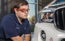 BMW разработала очки дополненной реальности для удобной парковки
