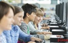 Европейским школьникам запретили соцсети