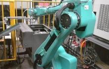 Apple iPhone 6 будут собирать роботы Foxbot