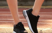 Xiaomi выпустит умные кроссовки с чипом Intel