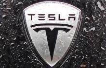 Tesla планирует выпуск беспилотных автобусов и грузовиков