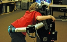 Робот-няня в помощь родителям