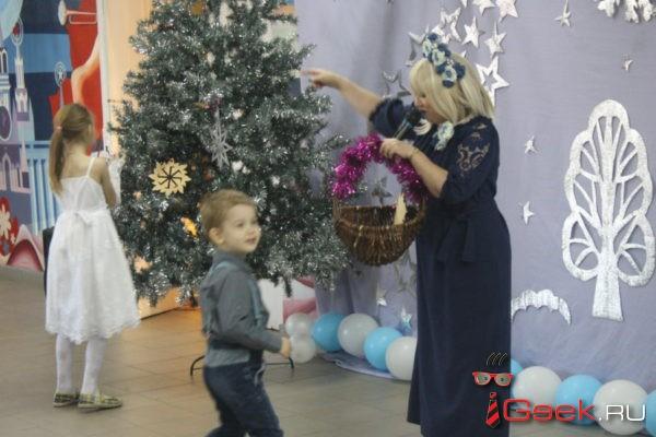Серовские детишки и богатыри спасли Новый год