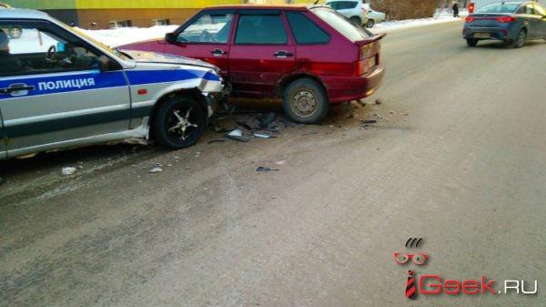 В Серове в ДТП попал автомобиль ДПС
