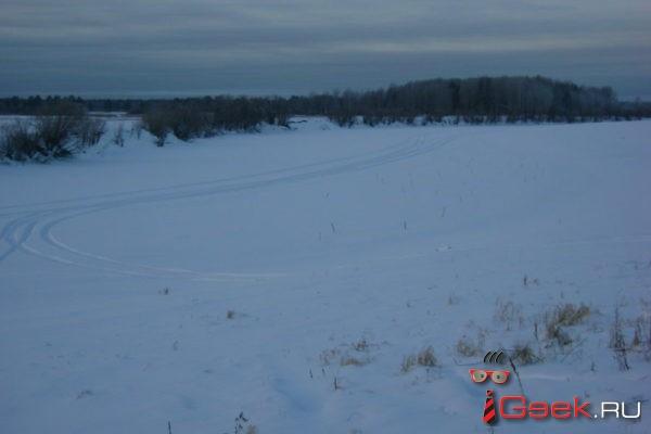 Сотрудники МЧС с вертолета обнаружили в Серовском городском округе незаконную ледовую переправу