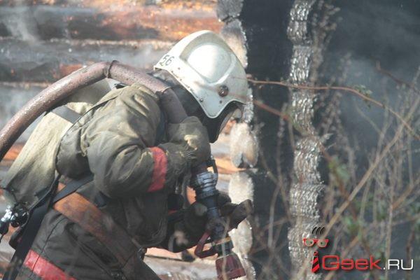 В Серове горел магазин тракторных запчастей. Никто не пострадал