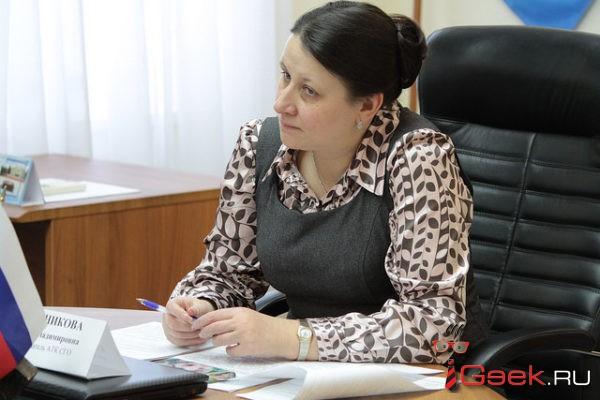 Глава Серова Елена Бердникова рассказала, как удалось добиться реконструкции двора дома, в котором она живет
