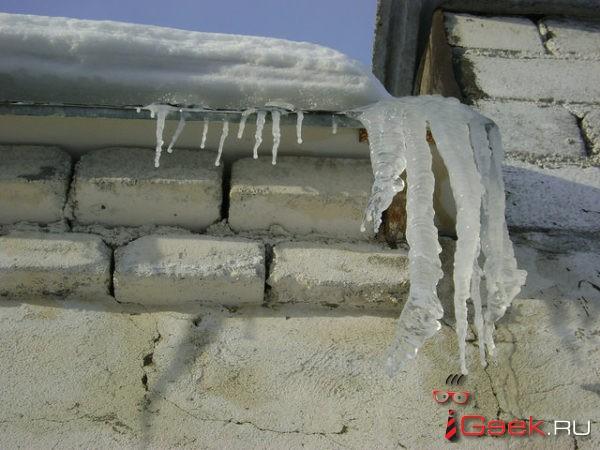 О коммунальщиках и сходе снега с крыш