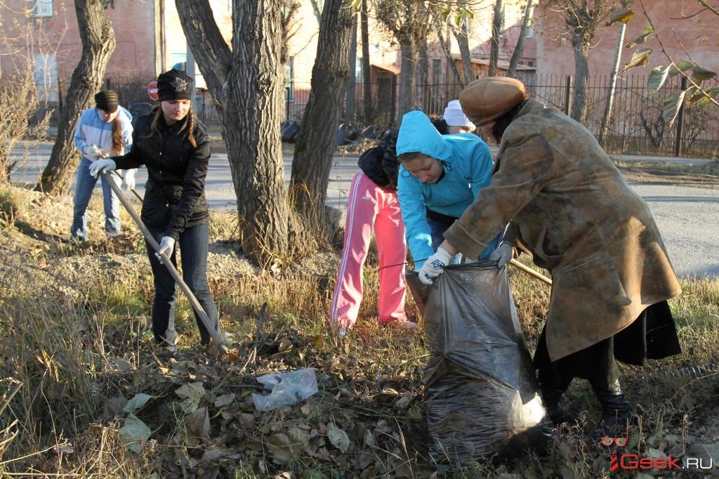 В Серове стартовала весенняя санитарная уборка