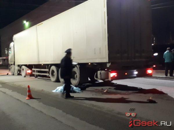 Гособвинение запросило для водителя фуры, насмерть сбившего двух женщин-пешеходов в Серове, 4 года колонии