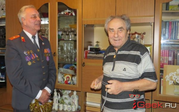 Сотрудники Серовского ОВД и Совет ветеранов поздравили ветеранов следствия с юбилейным профессиональным праздником