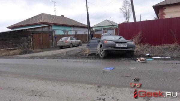 В Серове «Приора» пошла на обгон и въехала в ВАЗ. Пострадала девушка