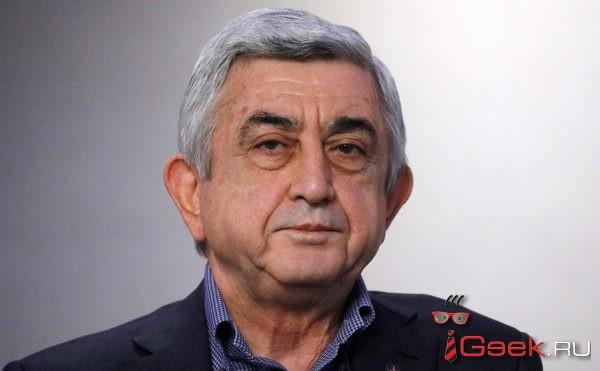 Армяне добились отставки премьер-министра