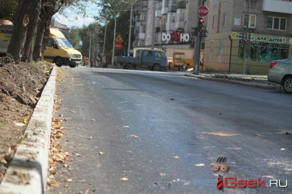 Депутаты озаботились очисткой тротуаров. Автоматизированный пылесос «Серовавтодора» опять сломан