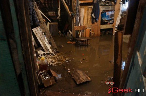 Вода ушла из подтопленных домов по улице Карла Либкнехта. Их хозяева планируют пожаловаться в Серовскую городскую прокуратуру
