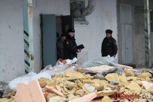 Следственный комитет возбудил уголовное дело по факту гибели серовчанина, которого придавило рухнувшей стеной
