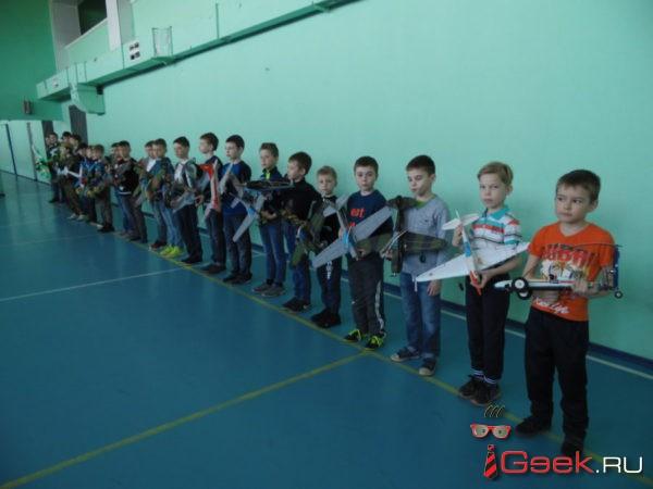 В Серове состоялись соревнования по авиамодельному спорту. Их организовал клуб «Квант»