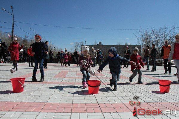 В Серове на эстафете металлургов самыми быстрыми оказались школьники