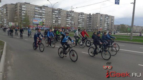 В воскресном велопробеге приняло участие больше двух сотен серовчан