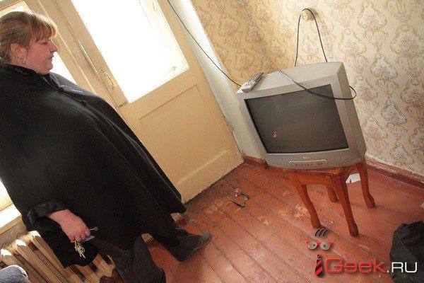 Мэрия Серова дала жителям «фекального общежития» новую квартиру, а через неделю… попросила освободить ее