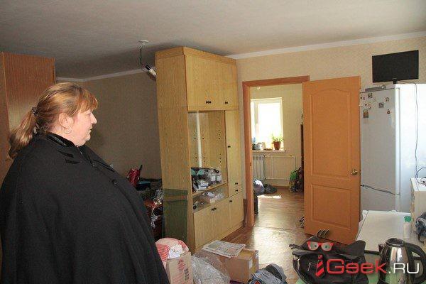 Вере Якимовой, которой мэрия дала квартиру взамен жилья в «фекальном общежитии» и теперь просит освободить новое помещение, без предупреждения обрезали электричество