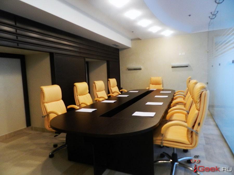 Оформление комнаты для переговоров