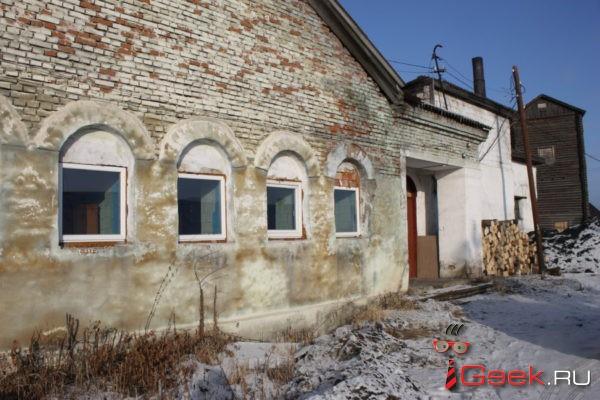 В бане серовского поселка Новая Кола проблема с электричеством решена. Но осталась проблема с водой…