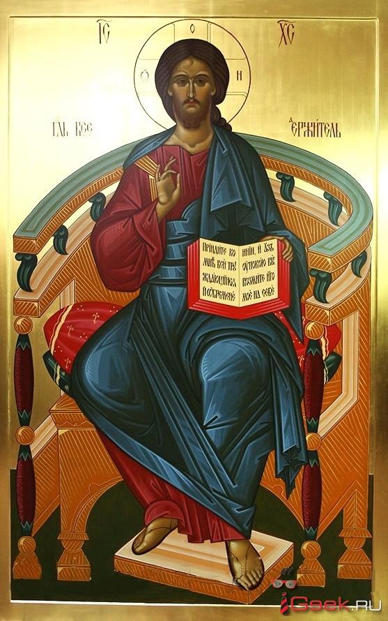 Серовский собор Преображения Господня планирует заменить печатные иконы на рукописные. «В храме не должно быть декораций»…