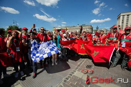 Футбольные болельщики из 55 стран обнялись на Красной площади