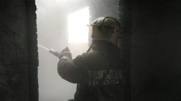 Пожар в серовской пятиэтажке обошелся без пострадавших
