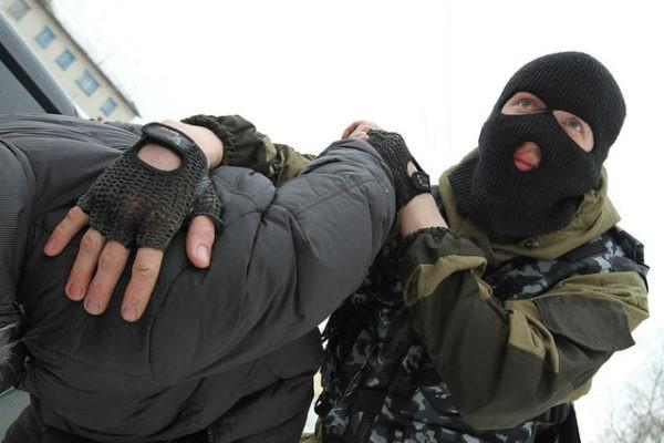 Задержаны серовчане, которые за 40 тысяч предлагали «не препятствовать» проведению торгов