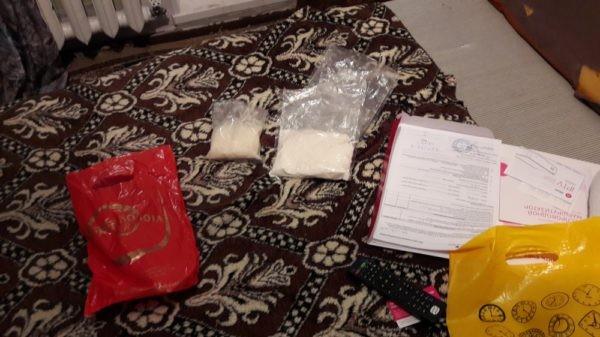 Полиция направила в суд дело в отношении наркодилеров, пытавшихся сбыть более 3.5 тысяч смертельных доз